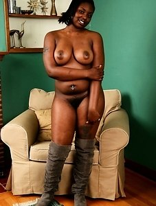 Big boob babe Chocolate shows us what nice fat boobs and a hairy snatch can on camera.